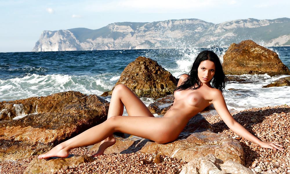 девки голые на море валерия - 11
