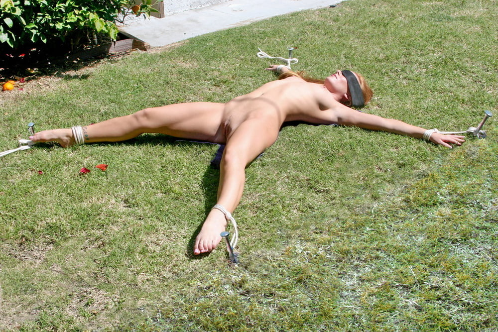 Outdoor tied nude — photo 14