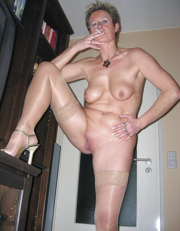 free-mature-smokers-video-colledge-girls-gone-nude