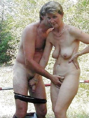 636 parejas adolescentes desnudas presentadas