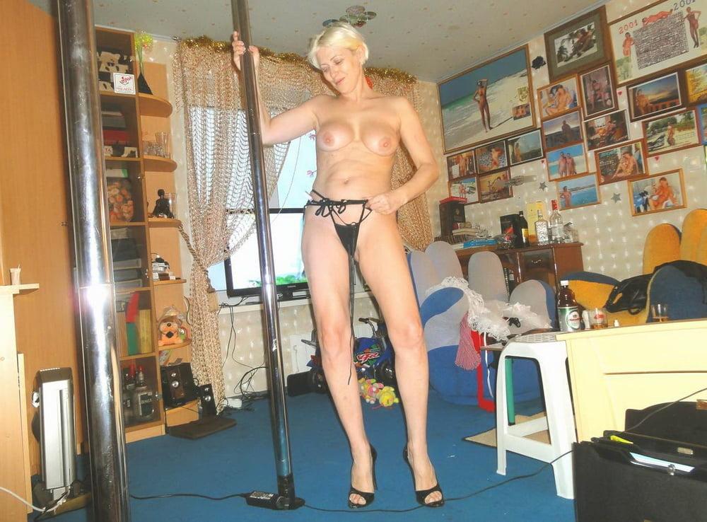 парня телочки жгут домашний стриптиз перед мужем шлюшка насаживается