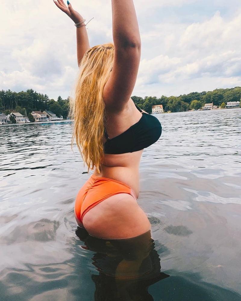 Huge tits TikTok Thot - 48 Pics
