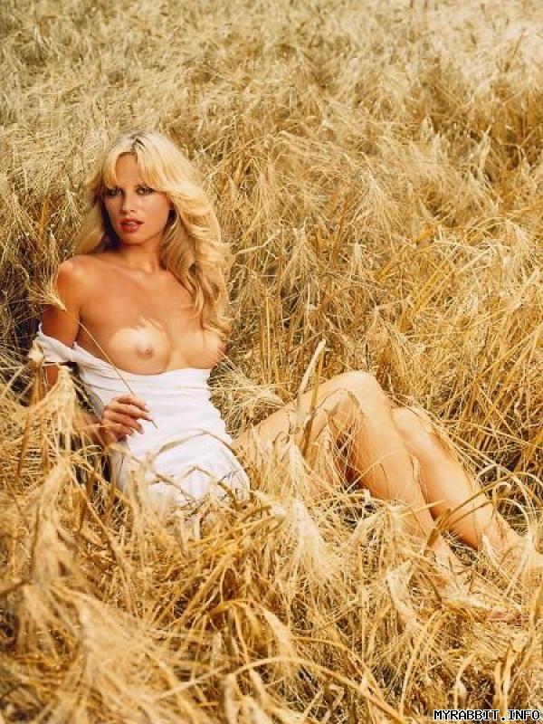 Частная эро фотосъемка юля днепр в поле