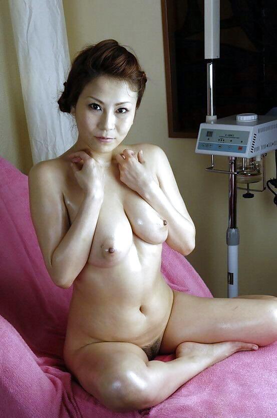 zrelie-yaponskie-zhenshini-nyu-foto-seks-tribbing