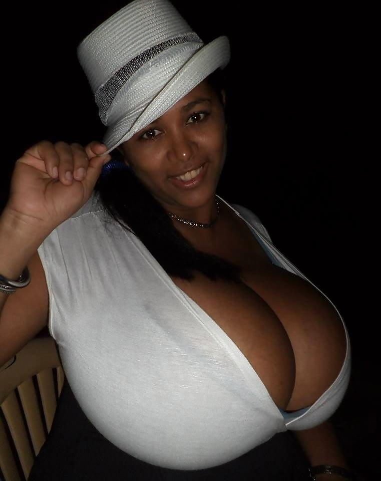 Free Black Woman With Big, Bouncy Tits Is Fucking A Horny, White Guy, Just For Fun Porn Photo