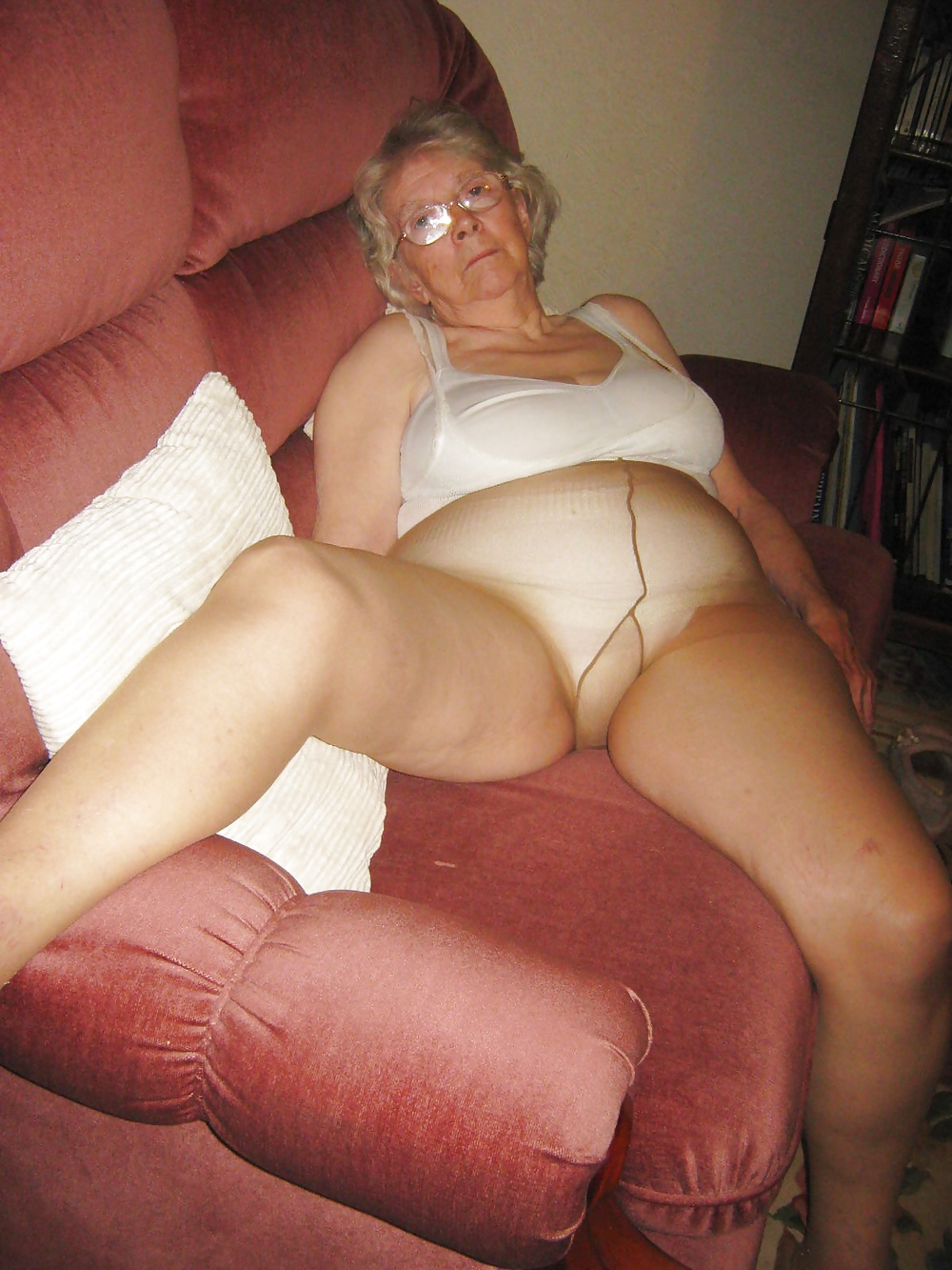 Sheila 80 Year Old Granny From Uk - 19 Pics  Xhamster-9796