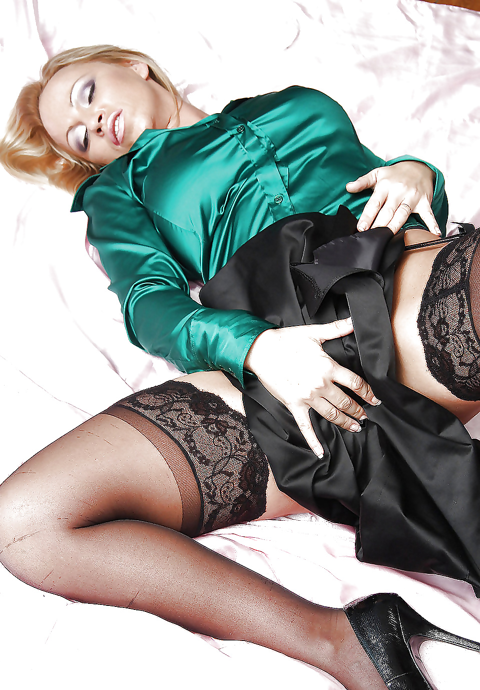 В шелковом платье ебут, бразильянки толстушки порно