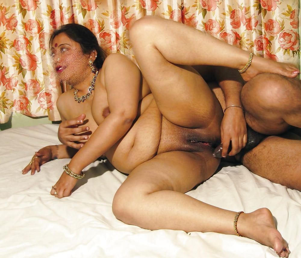 tamil-aunty-fucking-live-video-eatting-their-own