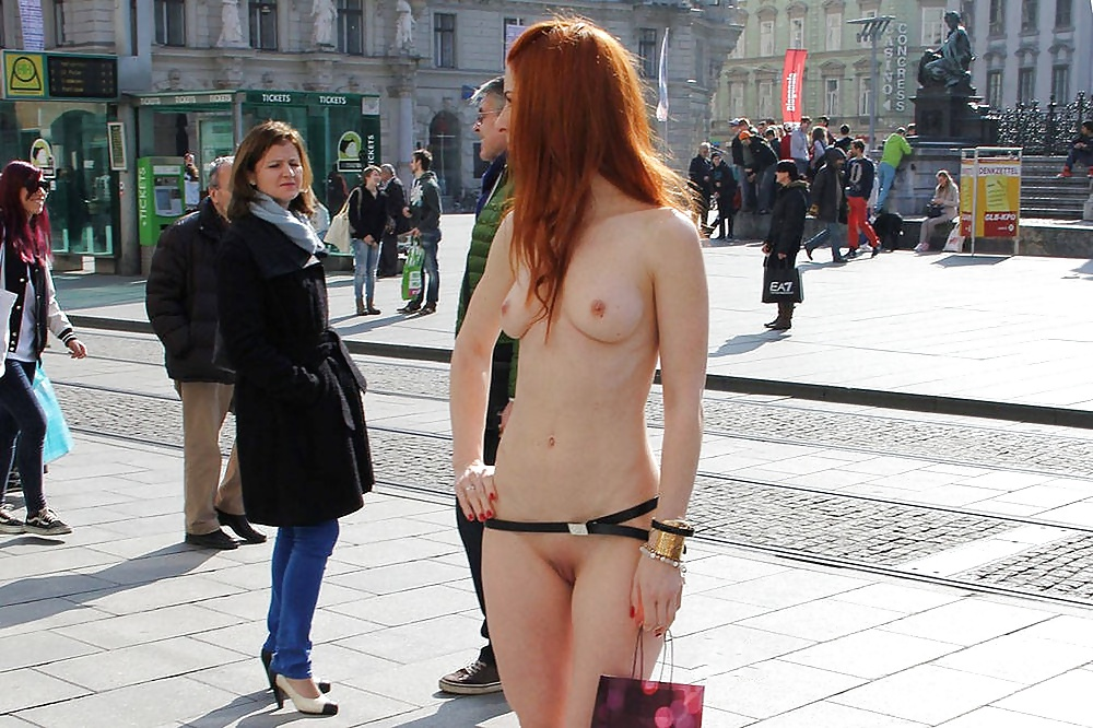 girls-sex-in-the-city-naked