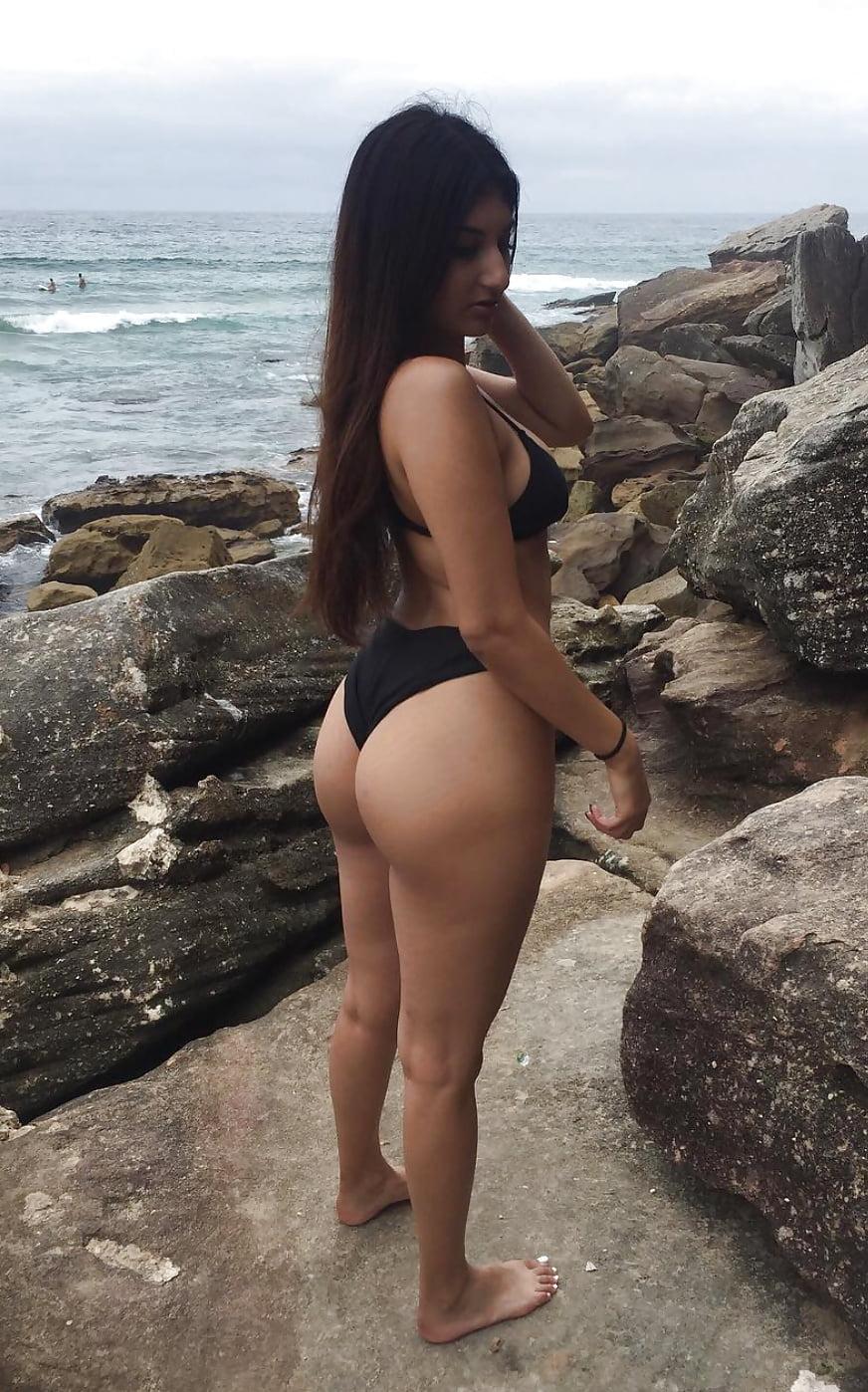 girls pics Desi bikini