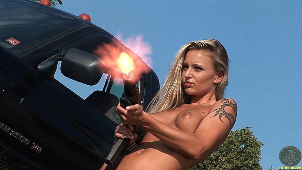 naked-gun-car-nuge-booty