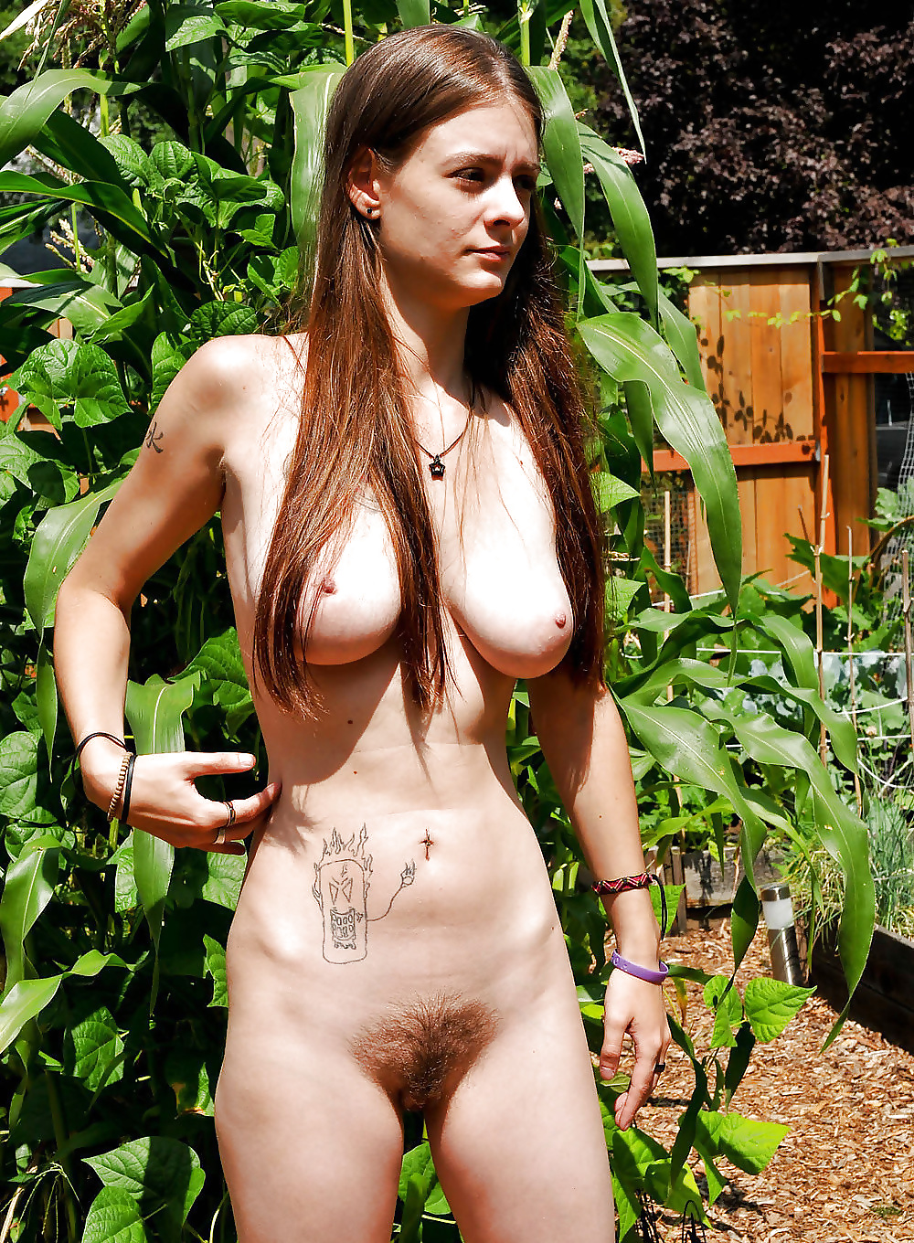 young-hippies-women-naked-michelle