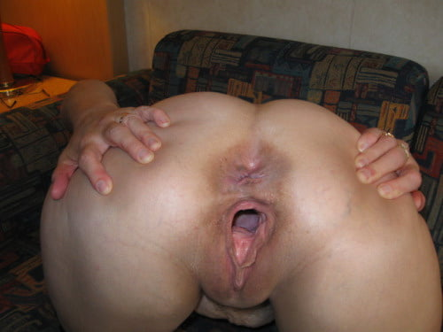 Huge gaping hairy cunt