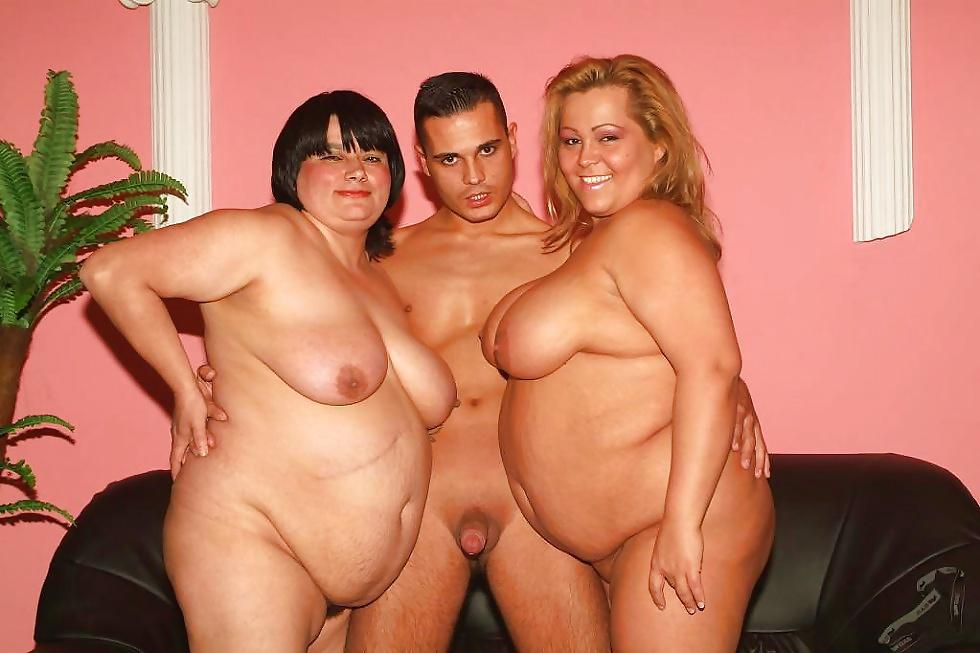 Шоу толстушек голышом