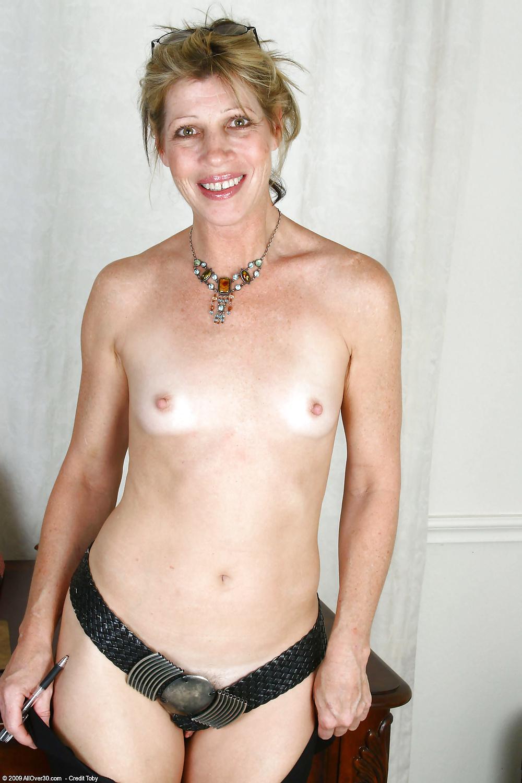 flat-chested-mature-ladies