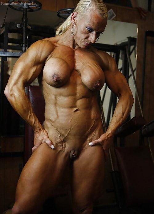 Голые порно с культуристкой николь саваж полной грудью фото