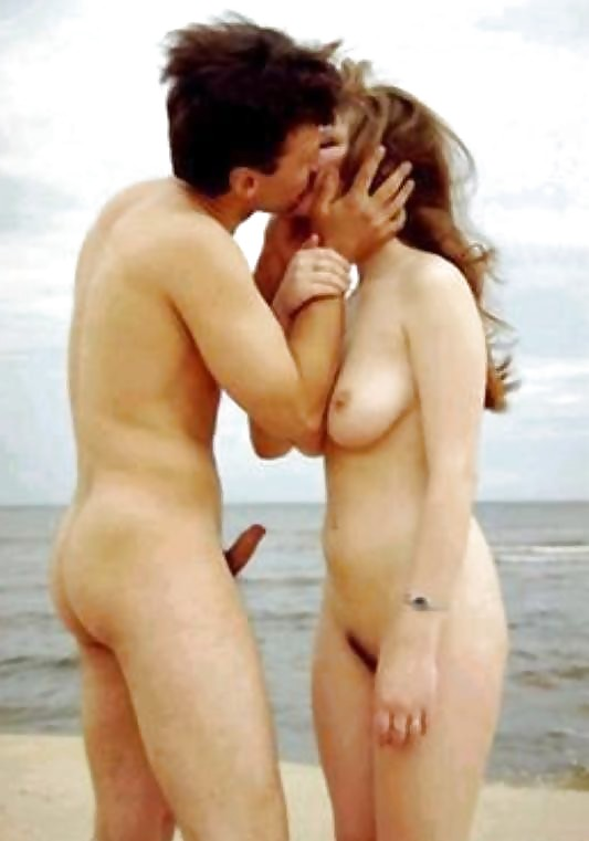 young-couple-nudity-in-fucking-position