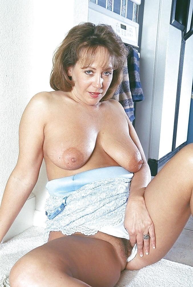 гость здесь дамы бальзаковского возраста голые в контакте для начала