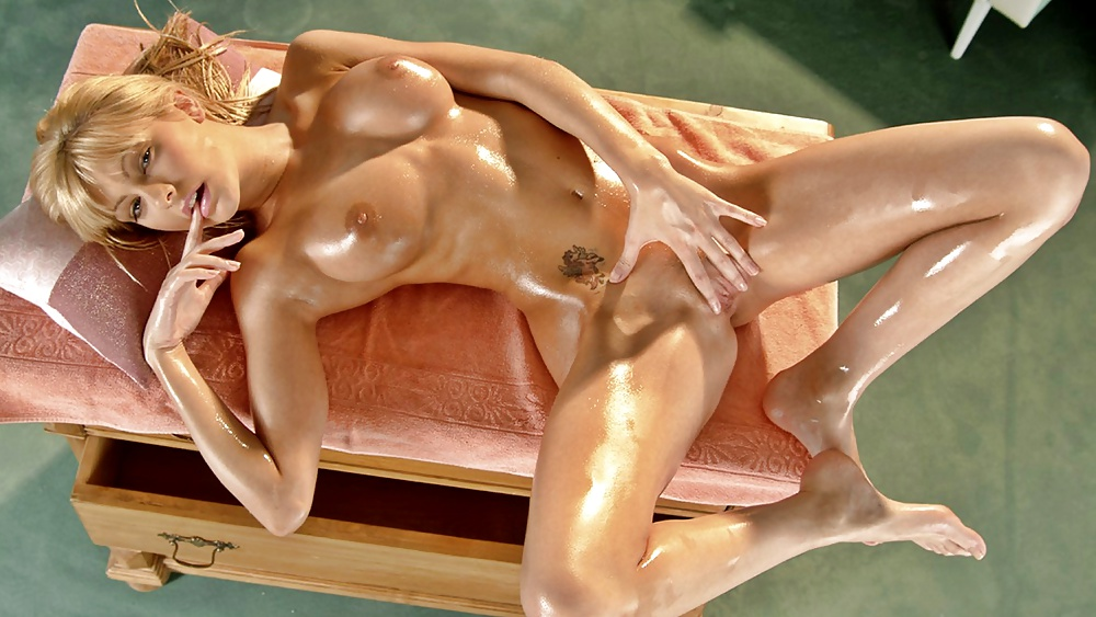 Nude Blonde On Box Oiled Body Erotic Exposing Xkeezmovies 1