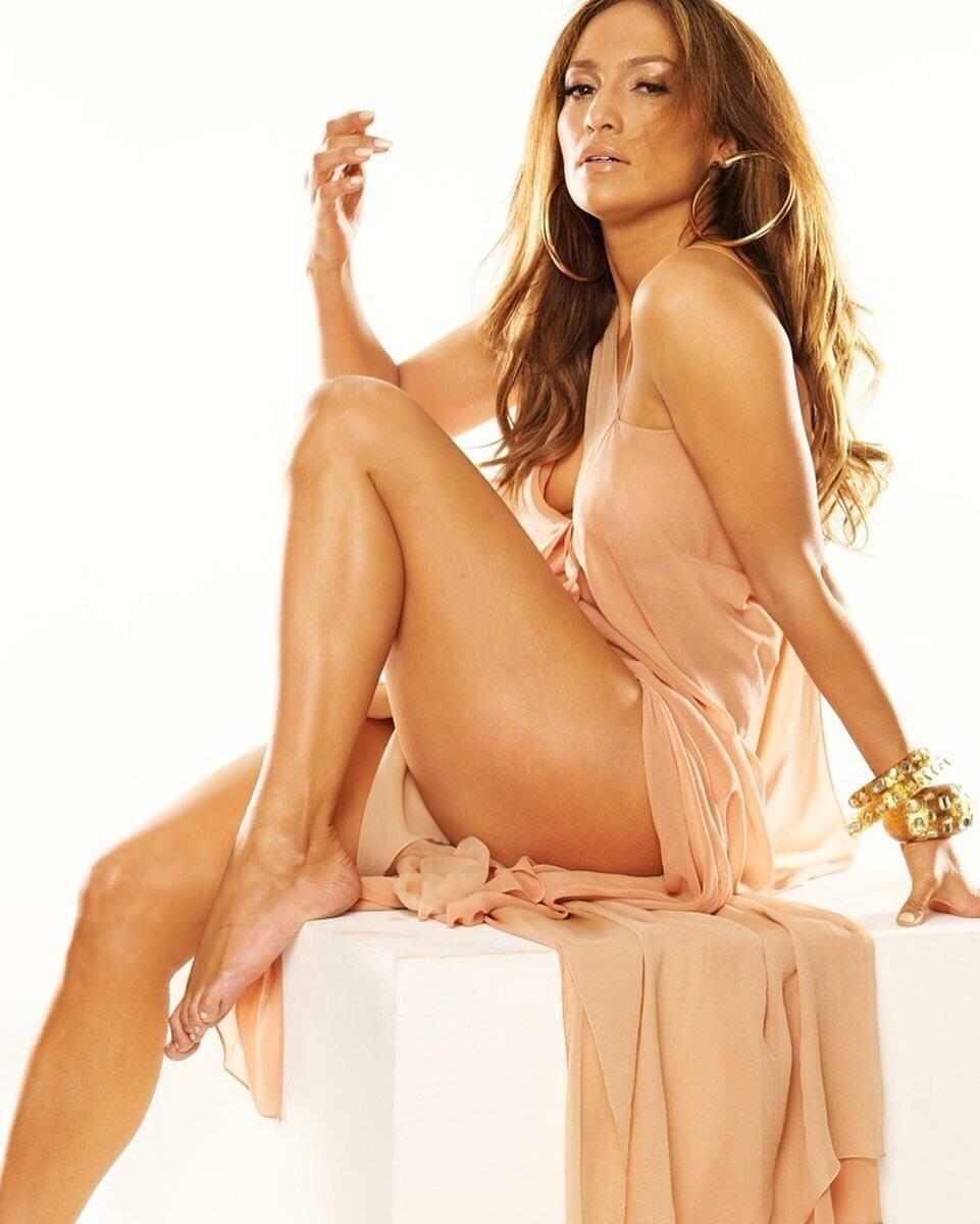 Jennifer lopez nude with dildo sucking