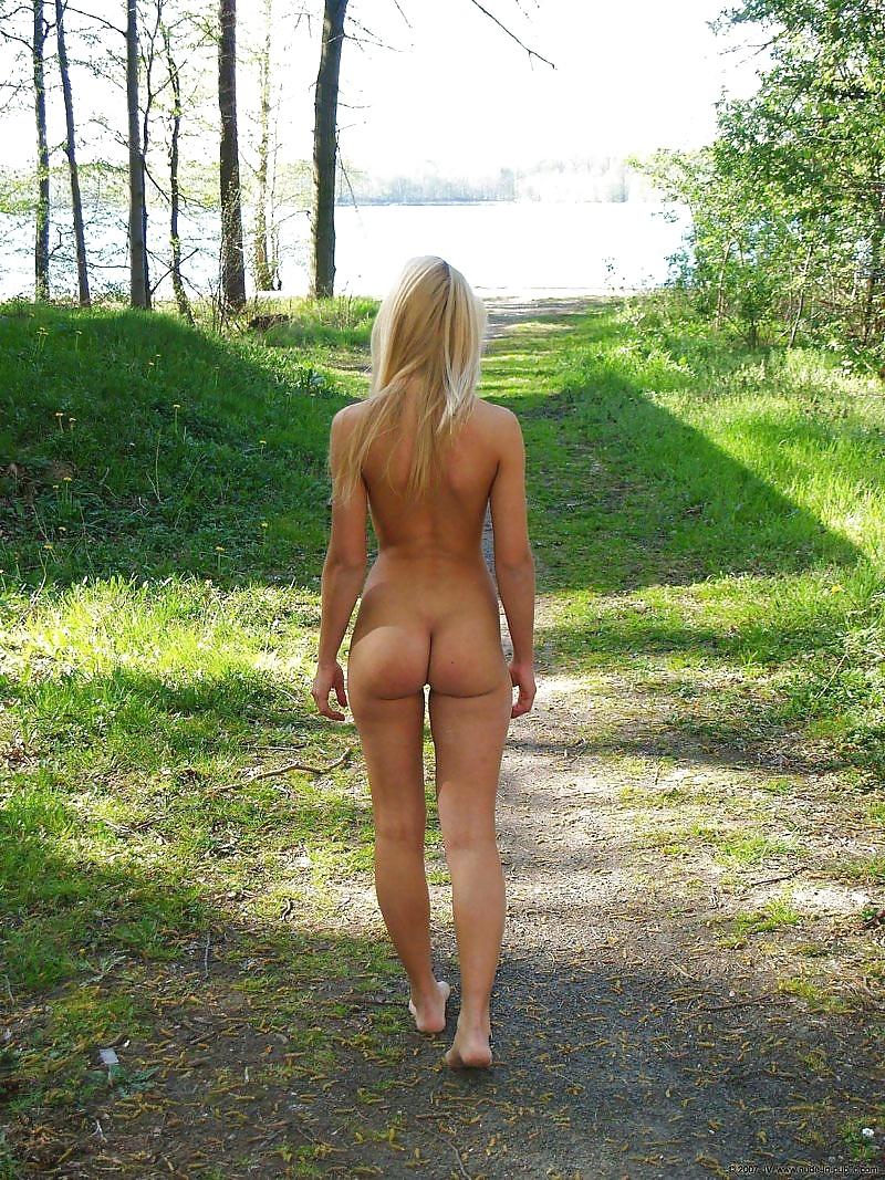 free-ass-walking-pics