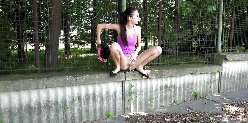 pissing-na-ulitse-forum-pizda-krupnim-planom-videorolik