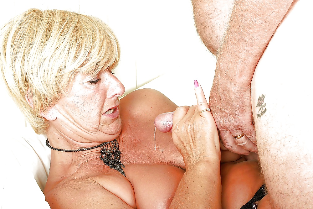 Older women handjob pics
