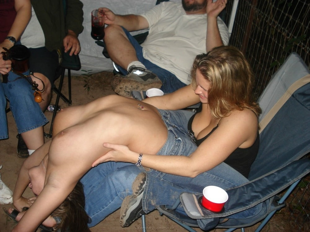 Мужиками онлайн порно пьяных на улице спор пришлось отсосать