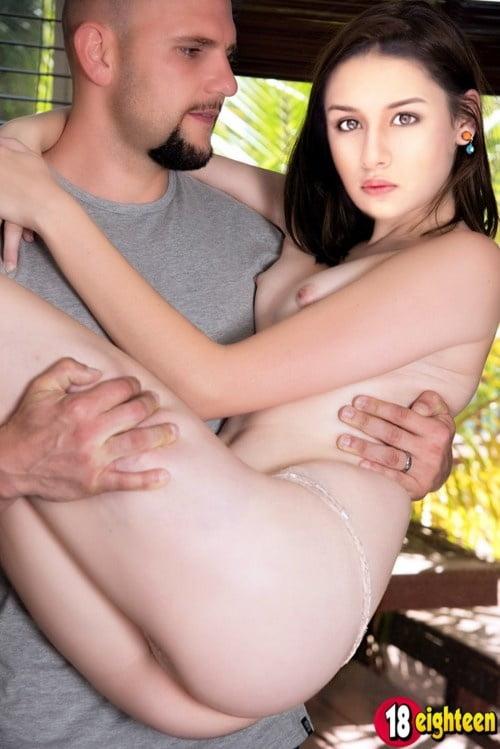 Avneet Kaur Nude Fakes XXX