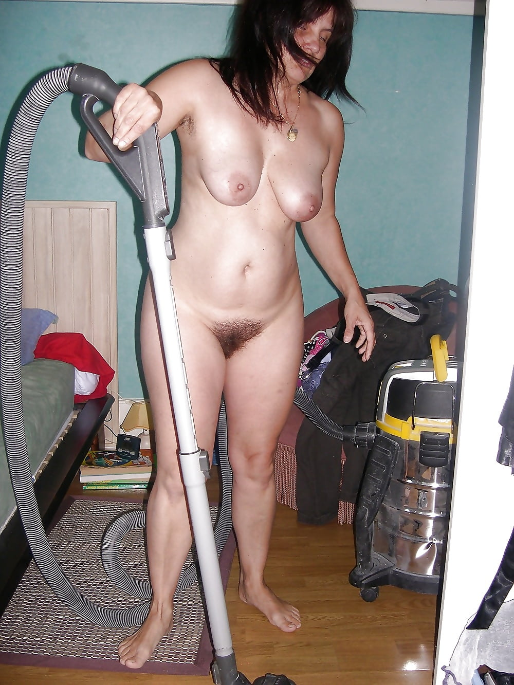 Wife cleaning nude-9140