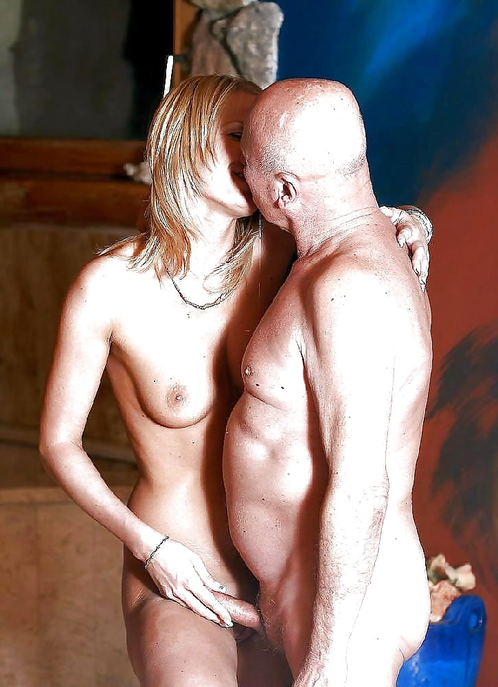 old-man-and-blonde-girl-naked
