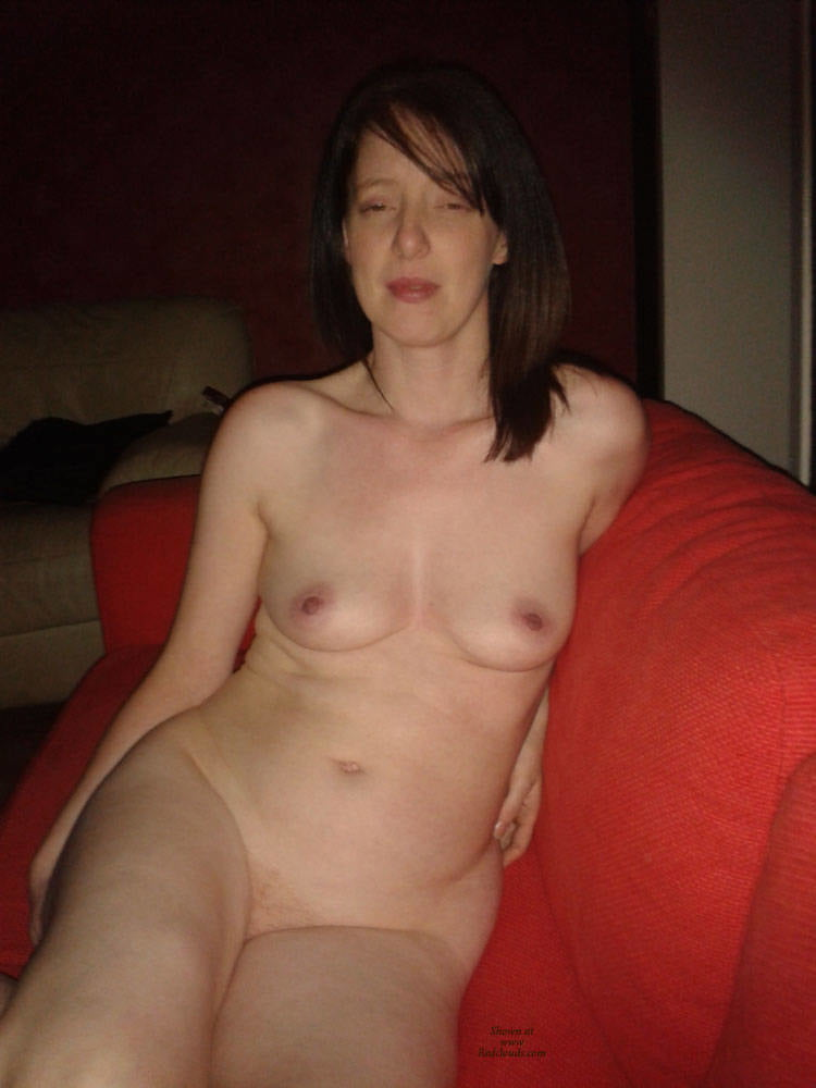 Nude wives - 21 Pics