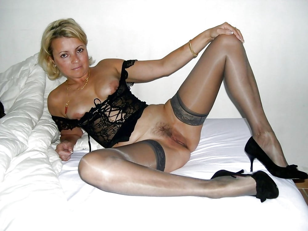 Hot naked moms in stockings — 10