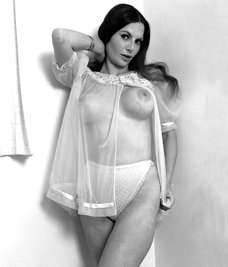 Levliong hot embroidered front closure sexy bra set back y straps push up deep v underwear women bra set black