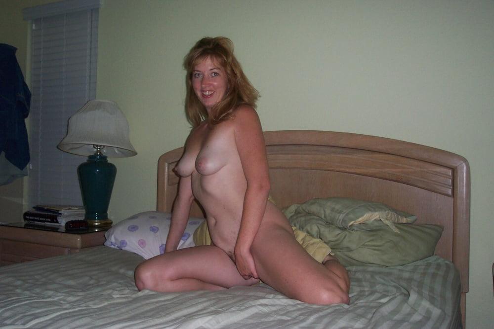 Naughty amateurs naked