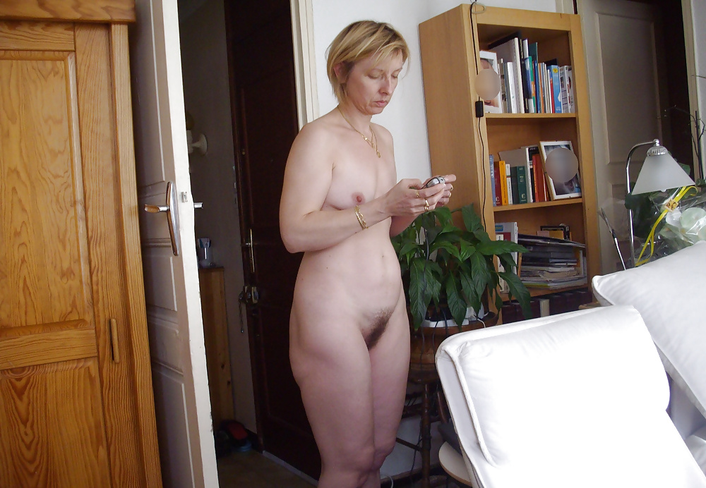 stories-wife-caught-naked
