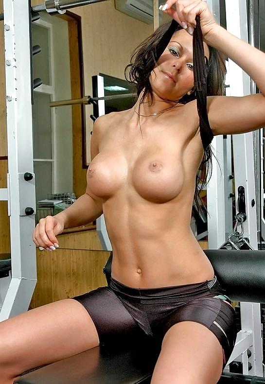 Big Tits Working Out