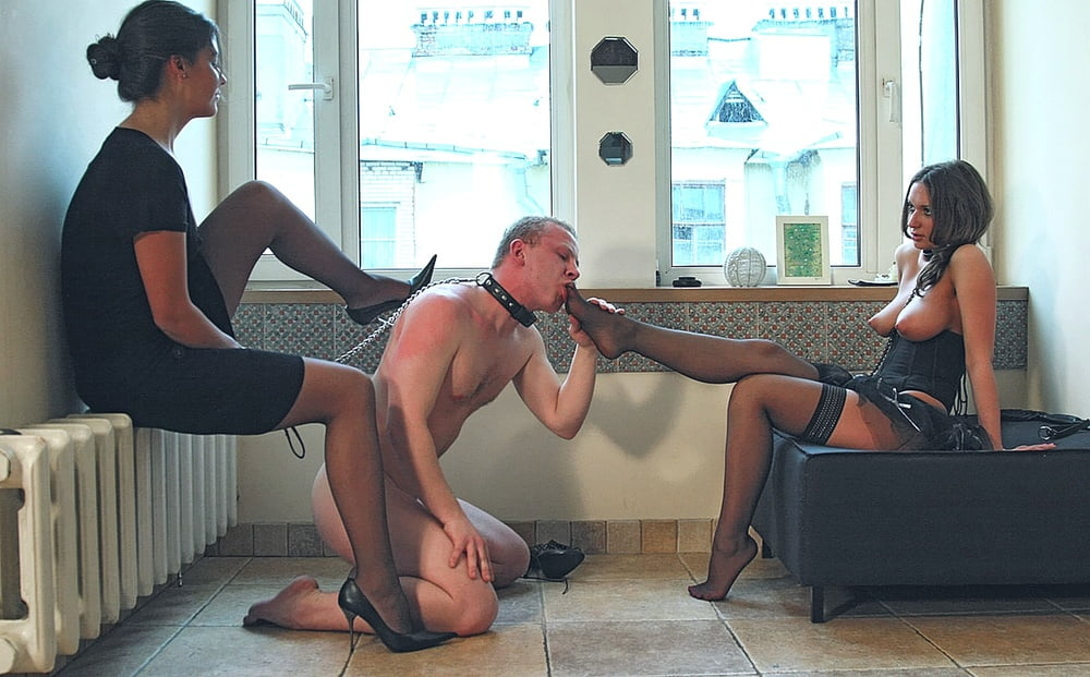 Jav Schoolgirls Trapped In Elevator Finger Fucked Pussy Juice In Mouth