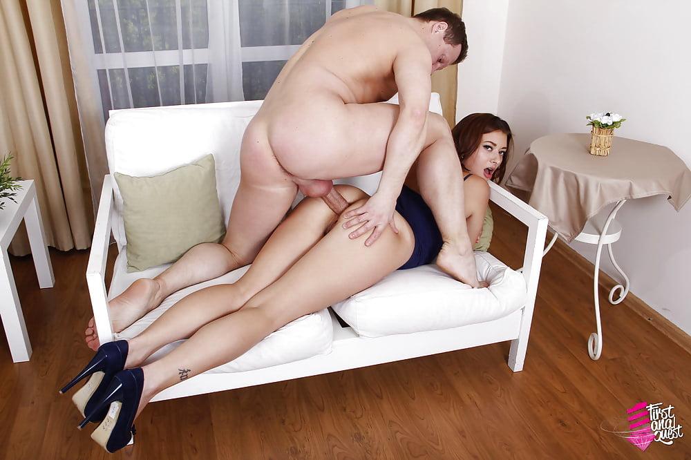 Порно пышные телками раком на диване, групп порно рус зрелых
