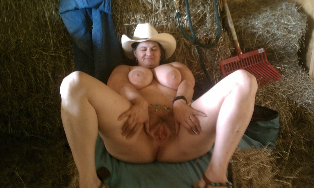 Naked down on the farm — img 15