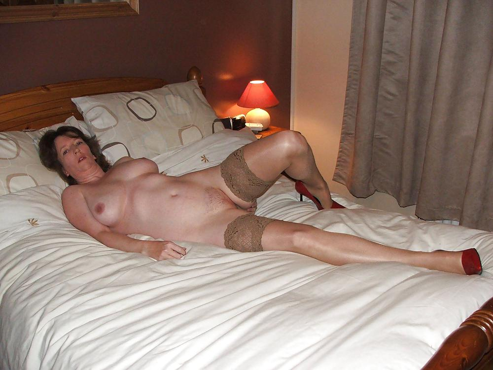 naked-bedroom-cell-pics-young-nude-equestrians