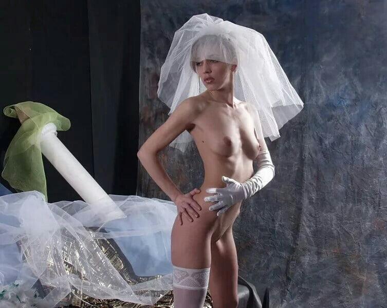 seks-fotki-eroticheskie-klipi-s-nevestami-sado-negrityanki