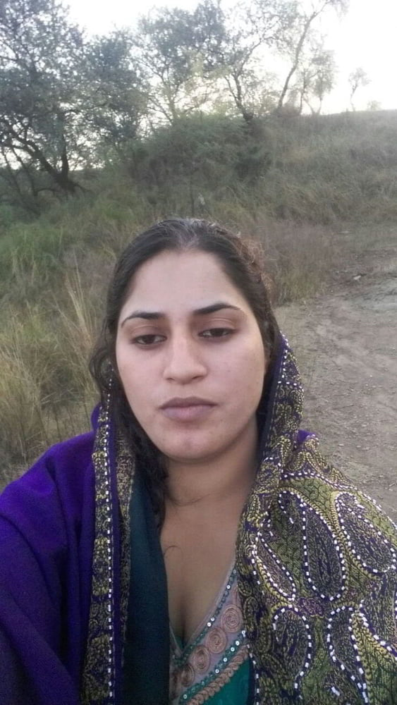 Mahie Gill naked Punjabi film full nude photos 14