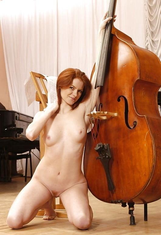 Danica the nude violinist
