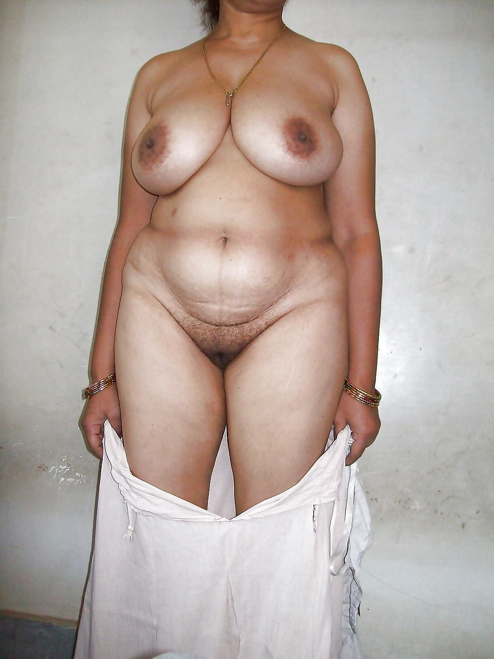 Mature Indian Woman Image