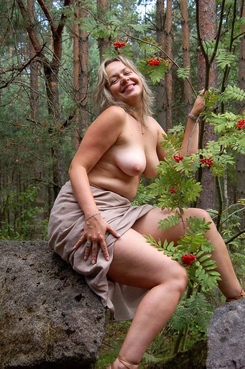 Wife naked forest, picture sex anal hot beach