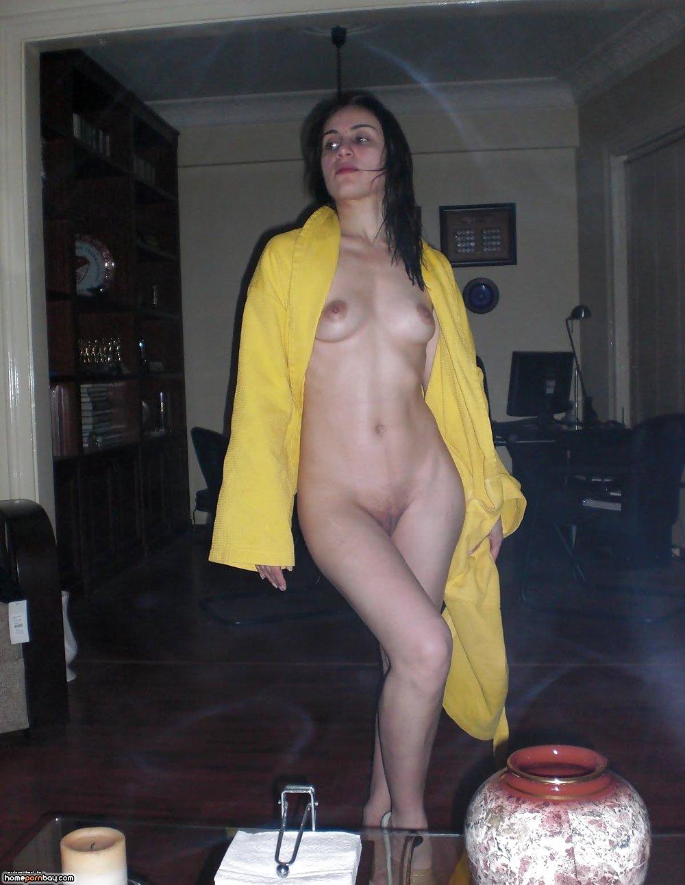 russkiy-striptiz-chastnoe-porno-foto-vali-azarovoy