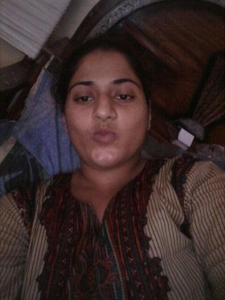 Mahie Gill naked Punjabi film full nude photos 21
