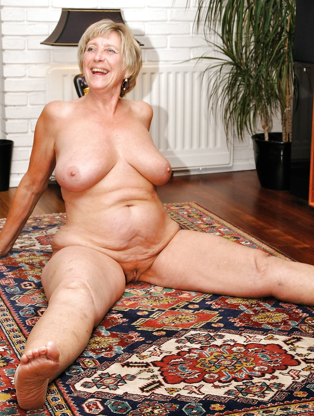 Full nude granny oma mature grannie