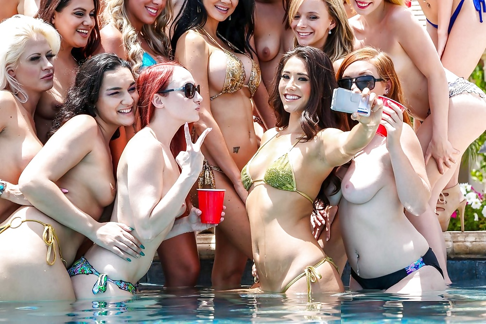Blowjob party pool